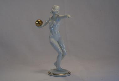 купить фарфоровую статуэтку, статуэтка фарфоровая, девушка с мячом, Хутченройтер, Hutschenreuther, художник Карл Вернер (Carl Werne