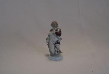 купить фарфор, купить статуэтку  фарфоровую аллегория зимы, зима времена года, художник Иоанн Иоахим Кэндлер  (Joann Joachim Kaendler  ), мейсен (Meissen)