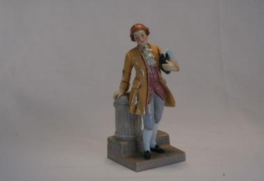 купить фарфор, статуэтка кавалер возле колонны, кавалер, фарфор Германия