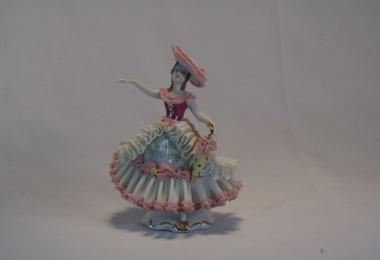 купить фарфор, кружевной фарфор, фарфоровая статуэтка балерина, барышня, дрездеская фарфоровая мануфактура, дрезденский фарфор купить  (Dresden)