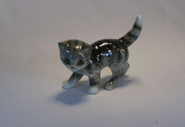 купить фарфор,фигурка фарфоровая котик, котенок фарфоровый, фарфор Гебель (Goebel ) купить, статуэтки фарфоровые, фаянс,  керамика