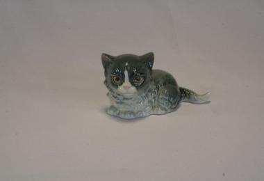 купить фарфор, фигурка фарфоровая котик, сидящий котенок фарфоровый, фарфор Гебель (Goebel ) купить, статуэтки фарфоровые, фаянс,  керамика