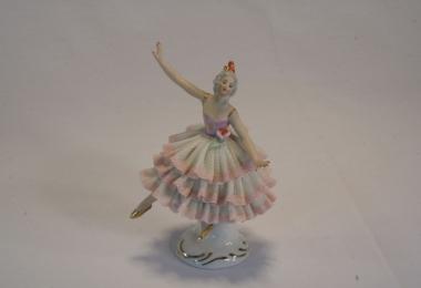 купить фарфор, кружевной фарфор, фарфоровая статуэтка балерина, барышня, дрездеская фарфоровая мануфактура,  дрезденский фарфор купить, Дрезден (Dresden), Германия