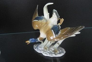 купить фарфоровую статуэтку, статуэтка фарфоровая утка, уточка фарфор, летящая утка фарфоровая, утка фарфор, Хутченройтер (Hutschenreuther), художник Х. Ахцигер (H. Achtziger)