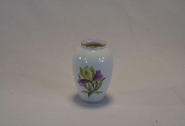 купить фарфор,ваза фарфоровая ,  миниатюрная вазочка с ирисом, фарфор Германия купить