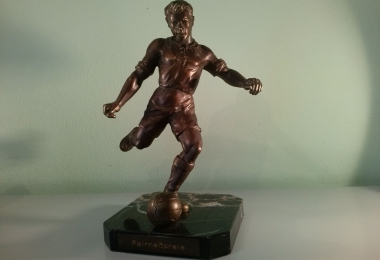 бронза, шпиатр, футболист бронза, футболист, металлический футболист, фигура футболист