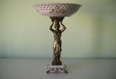 Ваза для фруктов, Ажурная чаша, фаянс, бронза, деколь, золочение, подрисовка, ваза в стиле модерн, фарфор с бронзой, ваза на бронзовой ножке