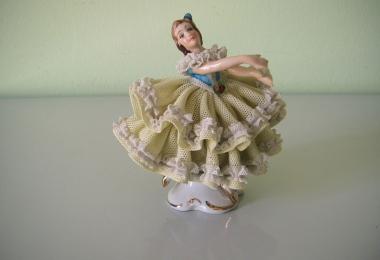 купить фарфор, кружевной фарфор, фарфоровая статуэтка балерина, кружевница, барышня, дрездеская фарфоровая мануфактура, дрезденский фарфор купить,  Дрезден (Dresden)