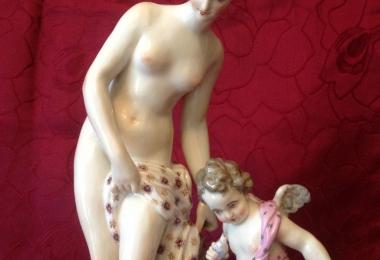 купить фарфор, статуэтка фарфоровая, купальщица, фарфор самсон, Севрский фарфор, Купальщица фарфор, статуэтки фарфоровые, скульптор Фальконе, Венера с амуром