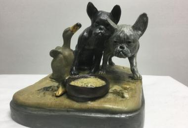 Фабрика Бергмана, бронза венская, литье бронзовое, бульдог, собаки с утенком, бульдоги с уткой, два бульдога, бульдог бронза