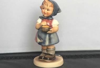 Купить фарфоровую статуэтку,  купить фарфоровую статуэтку, Гебель, hummel club,  Hummel от Goebel, Humme Юная фермерша , Хуммель,  Goebel, Гебель,  Jungbauerin Hummel,  Jungbauerin Goebel,  юная фермерша,  фигурка юная фермерша , 629 Hummel Goebel