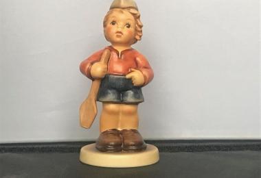 Купить фарфоровую статуэтку,  купить фарфоровую статуэтку, Гебель, hummel club,  Hummel от Goebel, Hummel, Хуммель,  Goebel, Гебель, Ich moechte mitrudern  , Ich moechte mitrudern  Hummel,  Ich moechte mitrudern Goebel, Я хочу грести, мальчик с веслом Хум