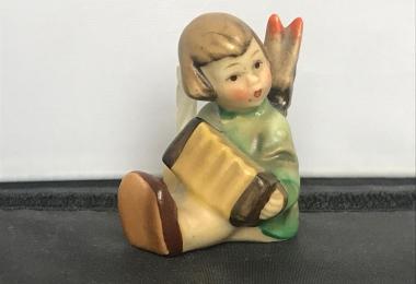 Купить фарфоровую статуэтку,  купить фарфоровую статуэтку, Гебель, hummel club,  Hummel от Goebel, Hummel, Хуммель,  Goebel, Гебель, рождественский ангел  Hummel , ангел с гармошкой Hummel,  рождественский ангел  Goebel, Рожденственский ангел с аккордеоно