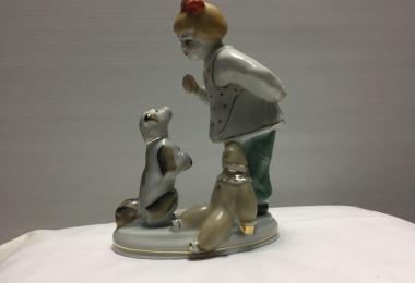 статуэтка фарфоровая а ну-ка отними, статуэтка девочка с собачкой, статуэтка фарфоровая девочка с собачкой купить, купить статуэтку девочка с собачкой , статуэтка девочка с собачкой,  а ну-ка, отними