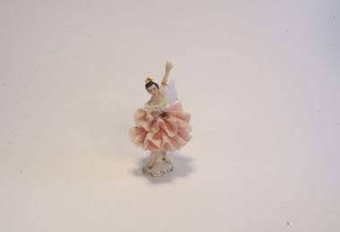 купить фарфор, кружевной фарфор, фарфоровая статуэтка балерина, барышня, дрездеская фарфоровая мануфактура, дрезденский фарфор купить,  Дрезден (Dresden)