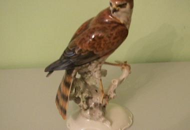 купить фарфоровую статуэтку, статуэтка фарфоровая, птица сокол фарфор, сокол фарфоровый, сокол Хутченройтер  (Hutschenreuther), художник Ахцигер (Achtziger)