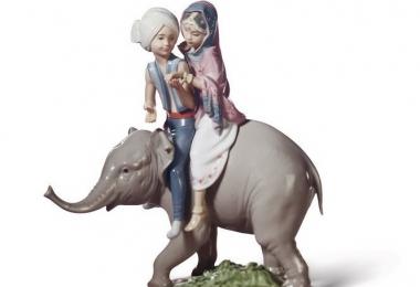 """купить фарфор, купить статуэтку фарфоровую """"Дети на слоне"""", фигурка слон с детьми фарфоровая, купить фарфор Ладро, Ядро (Lladro), Испания"""
